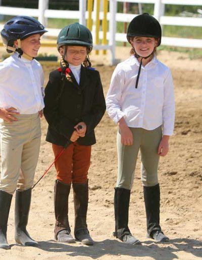 Three girld standing