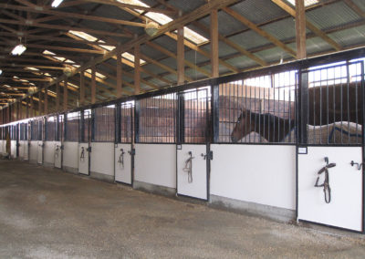The Main Barn has a 40 Ft. wide Aisle way
